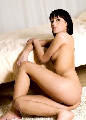 Yana Mcnudes