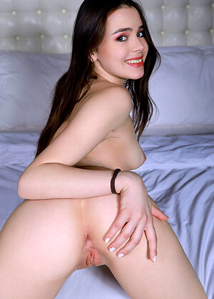 Eva Amari
