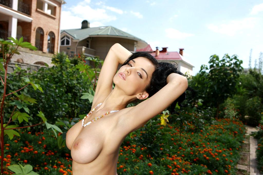 Model Katie Fey Nude