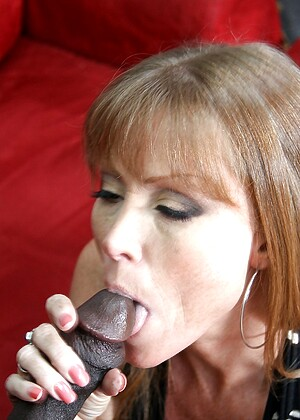 Milfs Like It Black