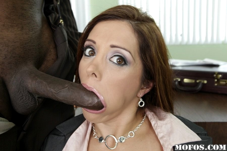 Sexy mommy francesca le teaches alina to give blowjob