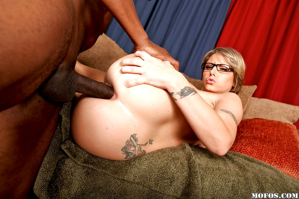 Velicity von sucks cock and gets her pussy and ass fucked