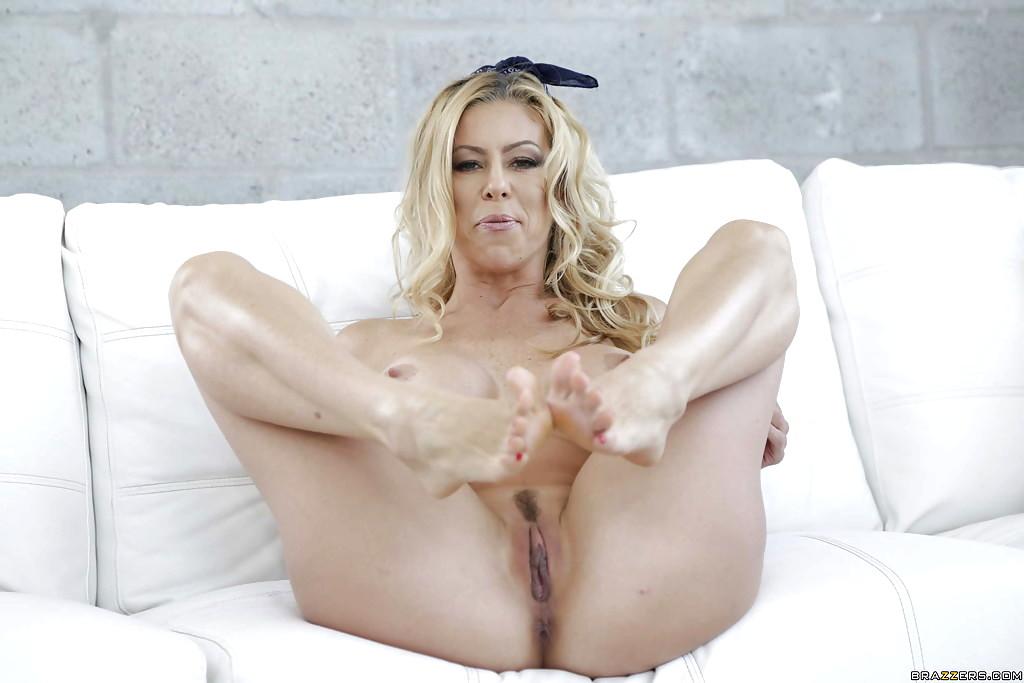 Alexis Fawx 7