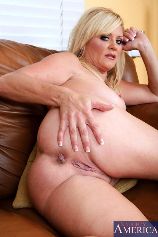 Anilos Ginger Lynn Uncensored Office Erotica Sex Hd Pics