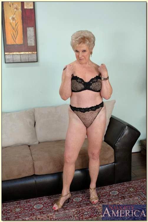 mrs jewell my friends hot mom