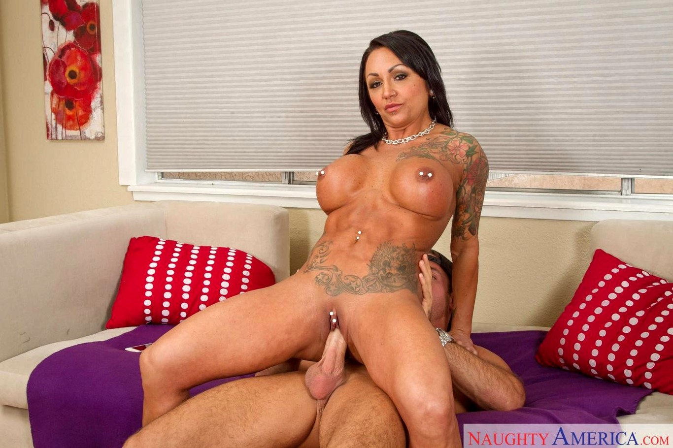 Download free tattooed brunette mom ashton blake fucking