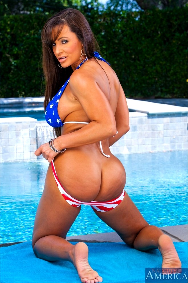 Lisa Ann Loses The Swimsuit