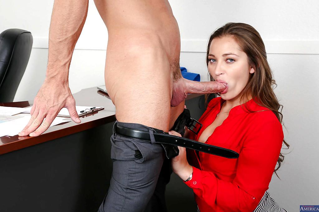 Office Worker Turns Into Cock Sucker Lynxxx Xxx Porn Tgp