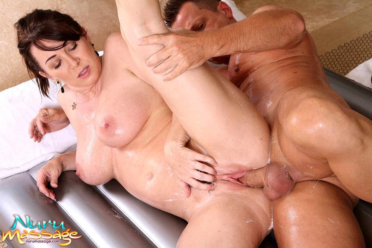 Hot tub porn pics