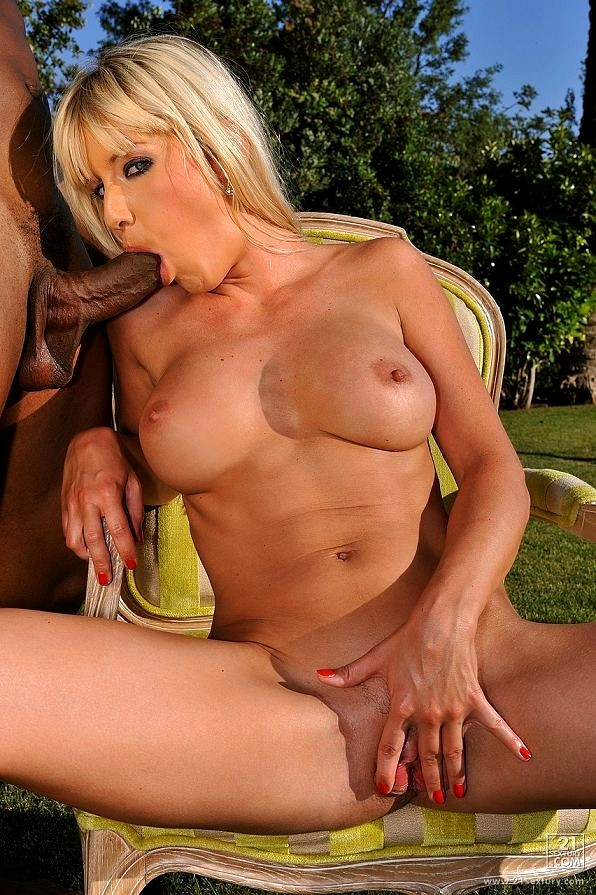 Gorgeous Blonde Natalli Di Angelo Gets Anal Fucked On Couch Elitebabes 1