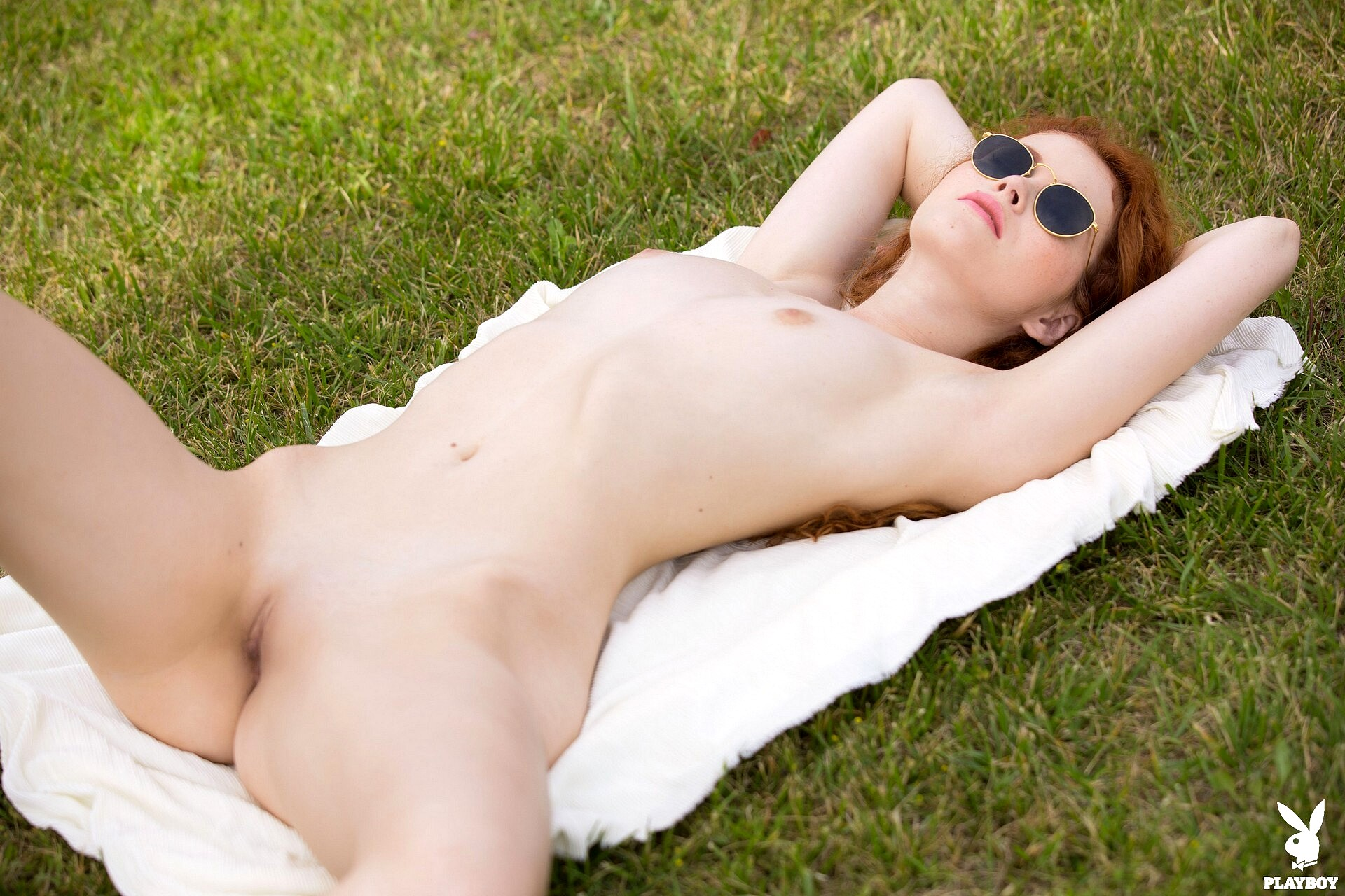 Suzanne Collins Nude Photos Leaked Pics