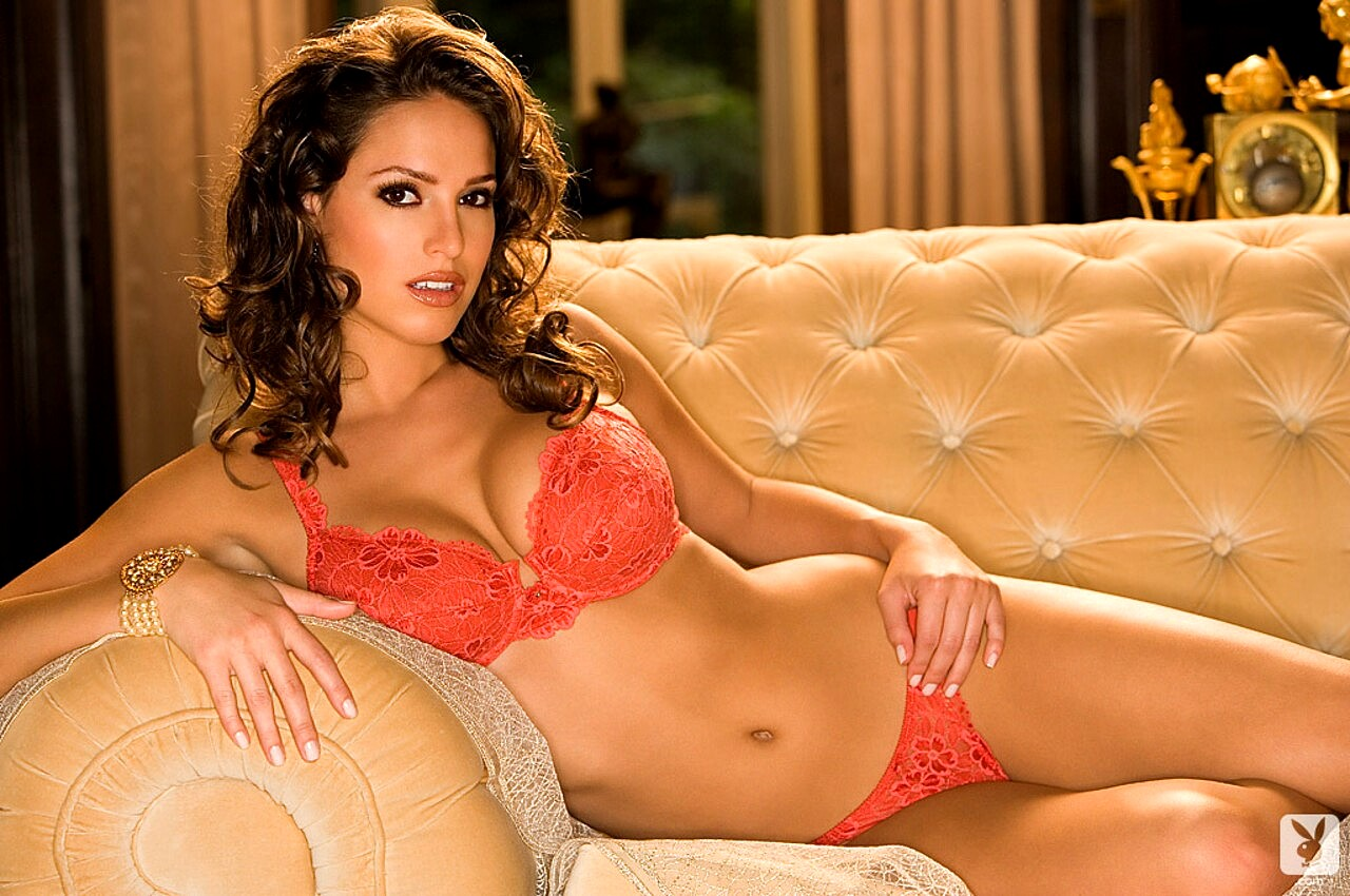 Lindsey vuolo natural breasts adult images