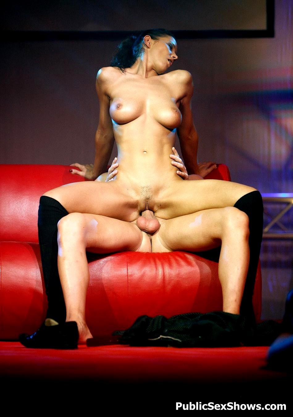 Порно стриптиз сексом