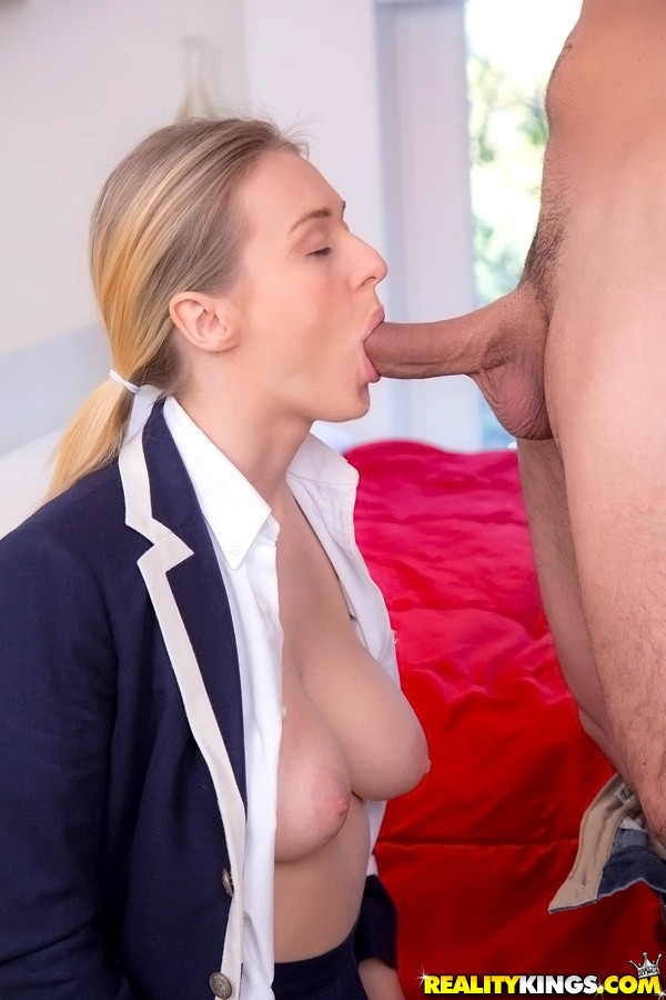 Goodly Blonde Natalia Starr Giving A Blowjob And Getting Satisfied