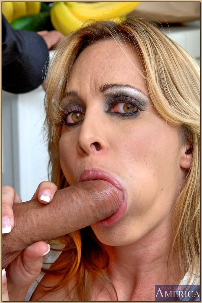 Busty Milf Jennifer Steele Gets Her Pussy Fucked On The Kitchen Floor