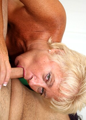See Mom Suck