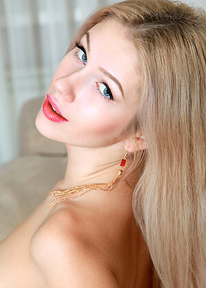 Showybeauty Blond FullXXXMovies 1