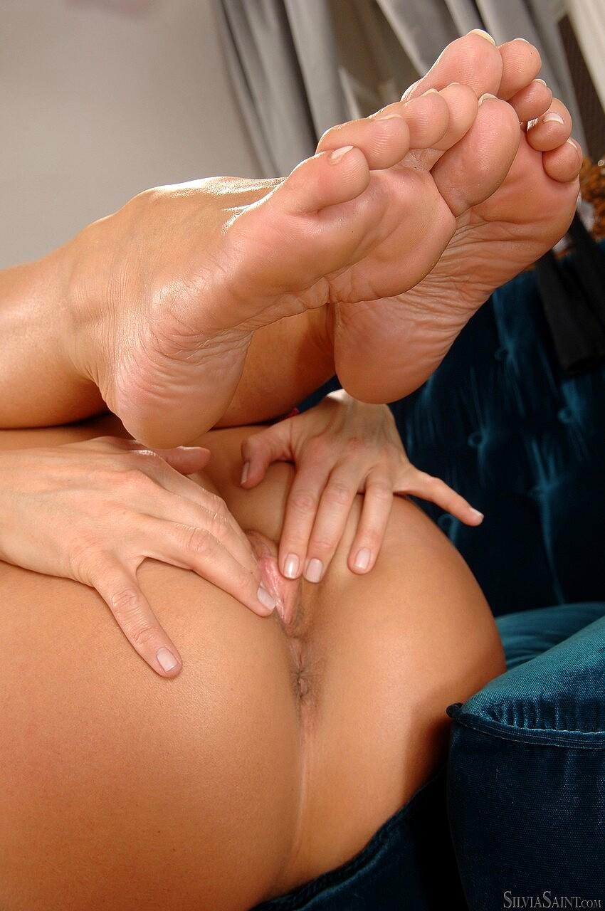Silvia Saint's Feet Wikifeet