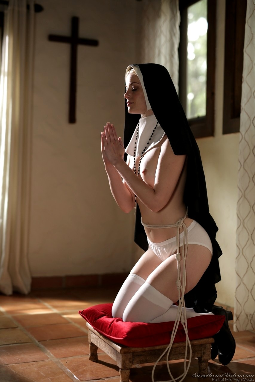 Hot Nun Takes Priest Dick In Her Ass And Pussy