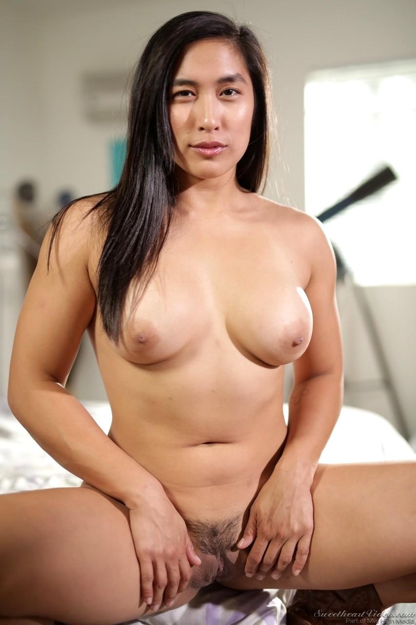 Mia Li Solo