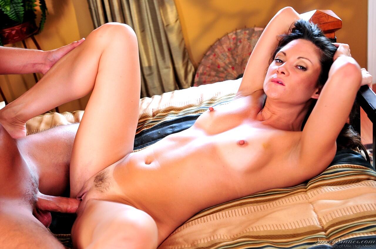 Stephanie swift pleasuring solo