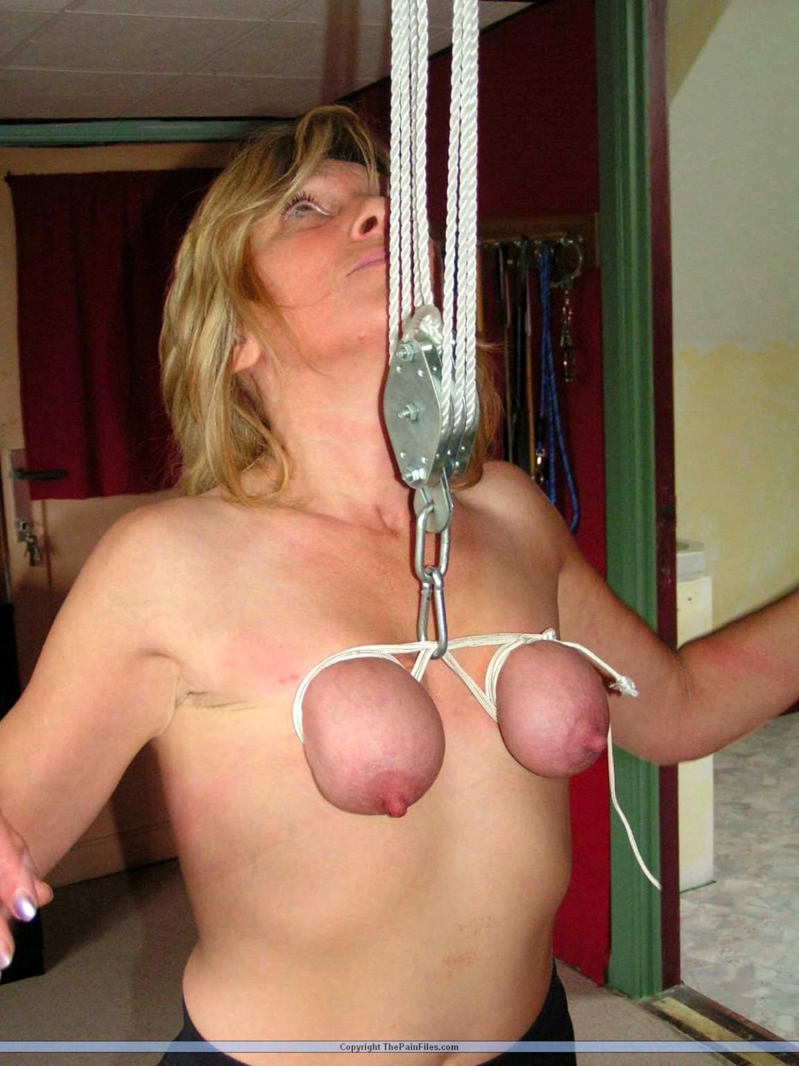 Free Hanging Boobs Porn Pics