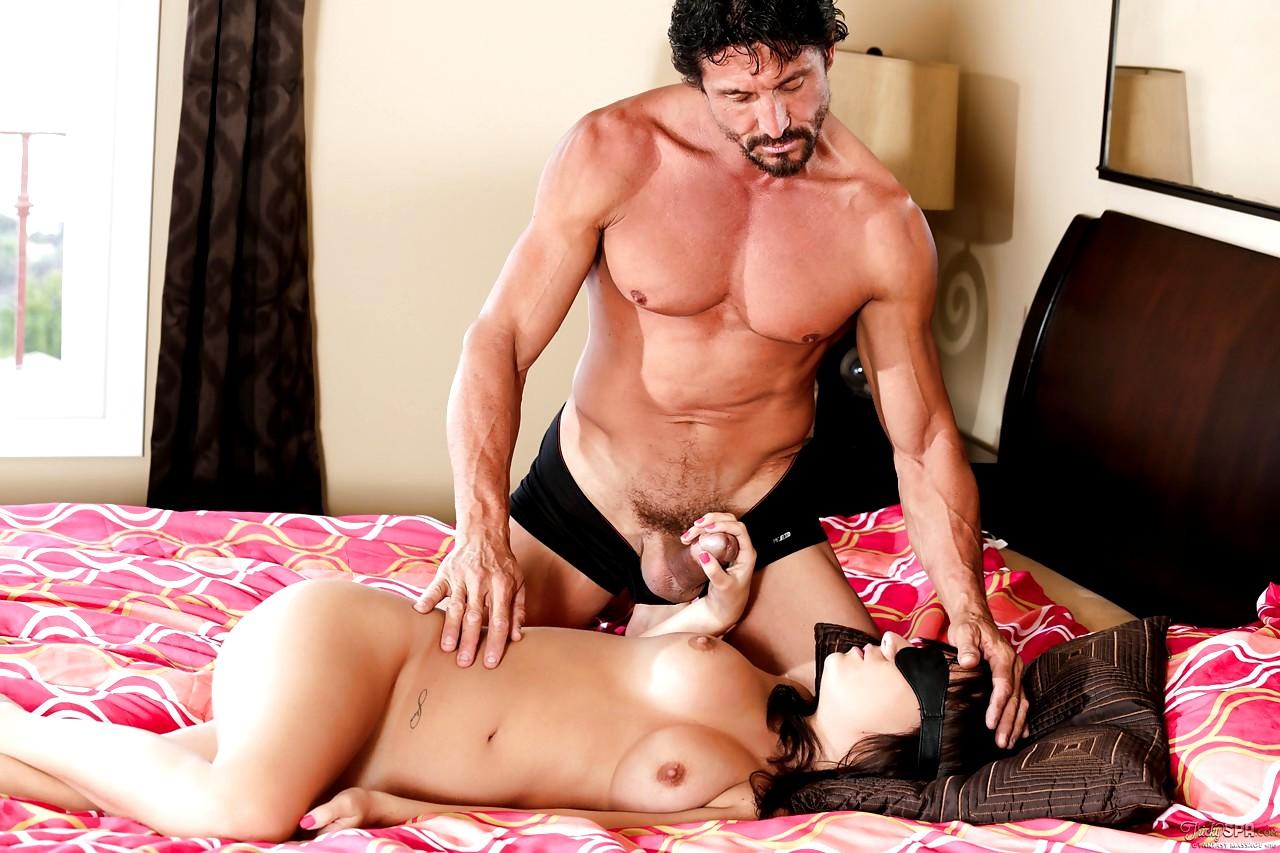 Tommy Gunn Porn Adult Pics Spankbang