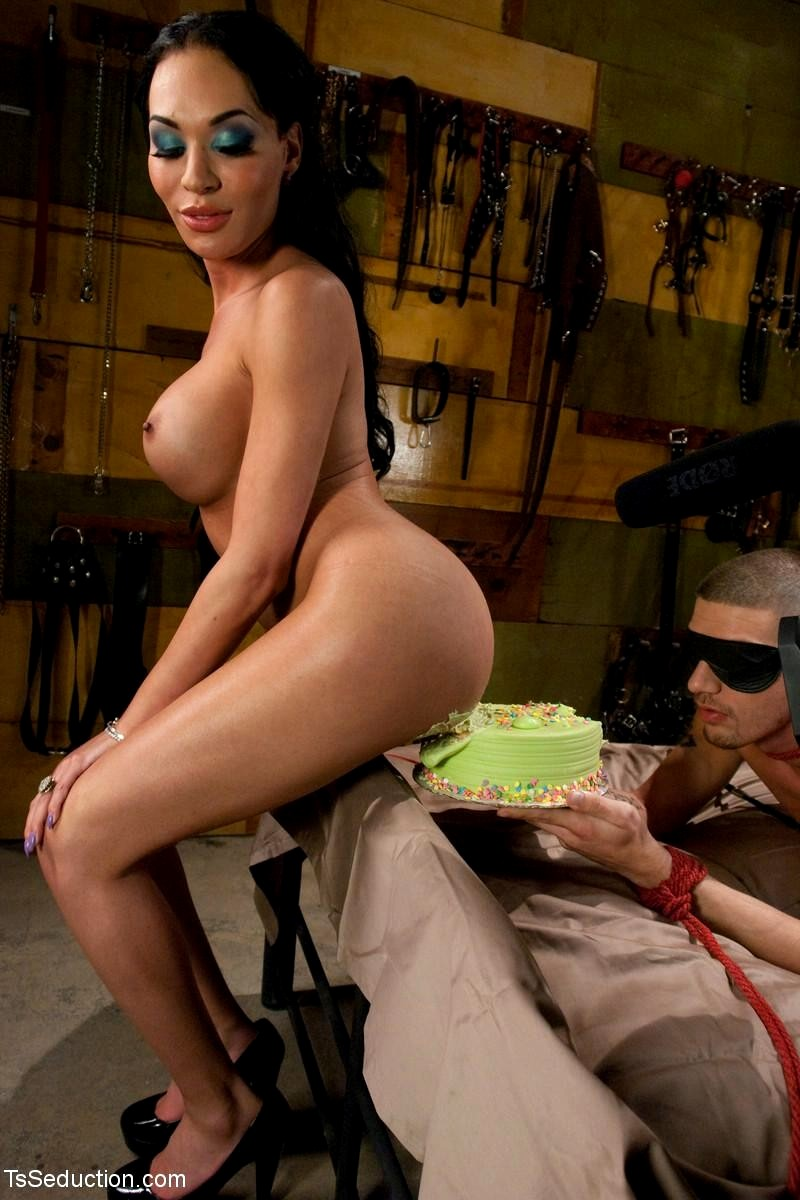 Jennifer lawrence ever nude