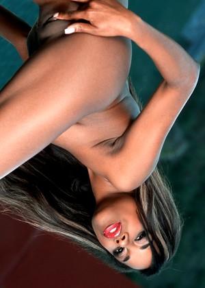 Nackt Lolana  Exquisite Slave