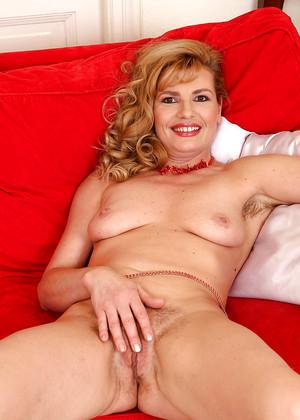 Liz M