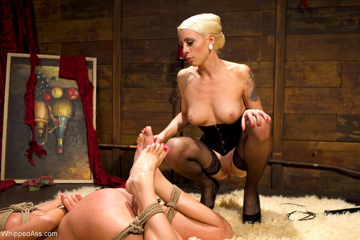 Blonde Versus Blonde In Hot Sweet Dominatio