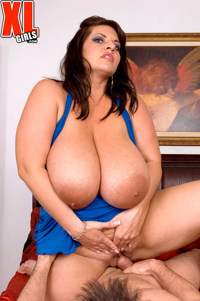 Busty Maria Moore Back Scuttled