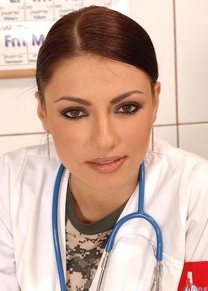 Xandra Brill