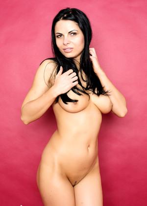 Valentina Mcnudes