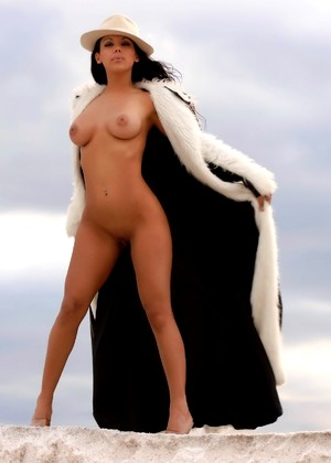 Zahyra Amat