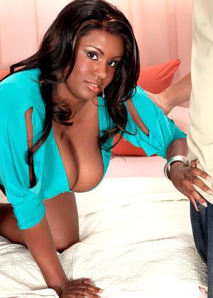 Chantal Raye