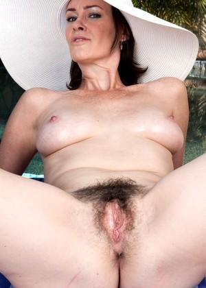 Veronica Snow