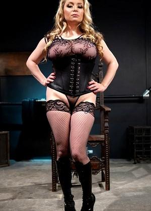 Black mega boobs and ass pic